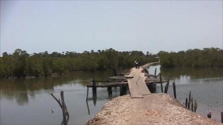Llegando puente Seleki