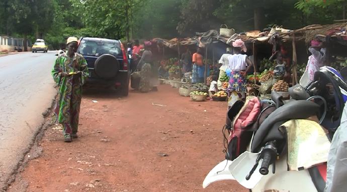 Ciego pide poblado guinea Conakry